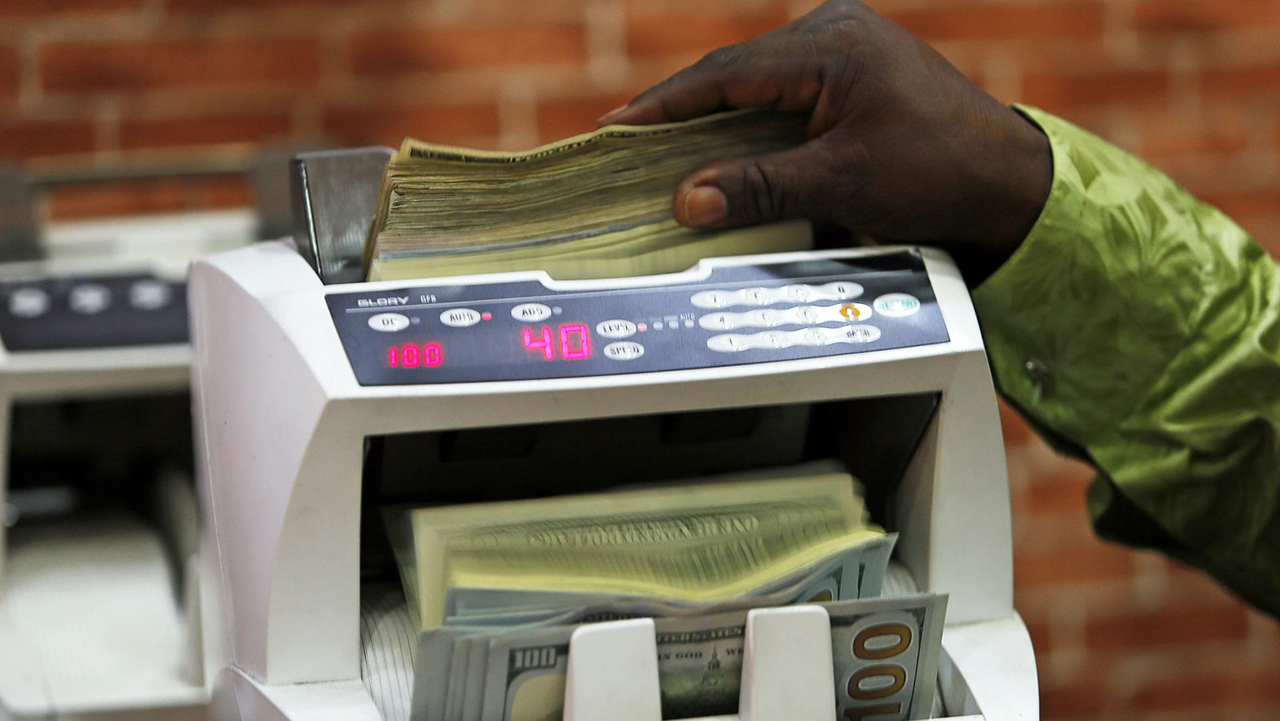 Why currency crisis, economy worsen despite high oil prices