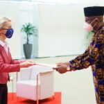 Ambassador Onowu presents Letters of Credence to European Commission's President