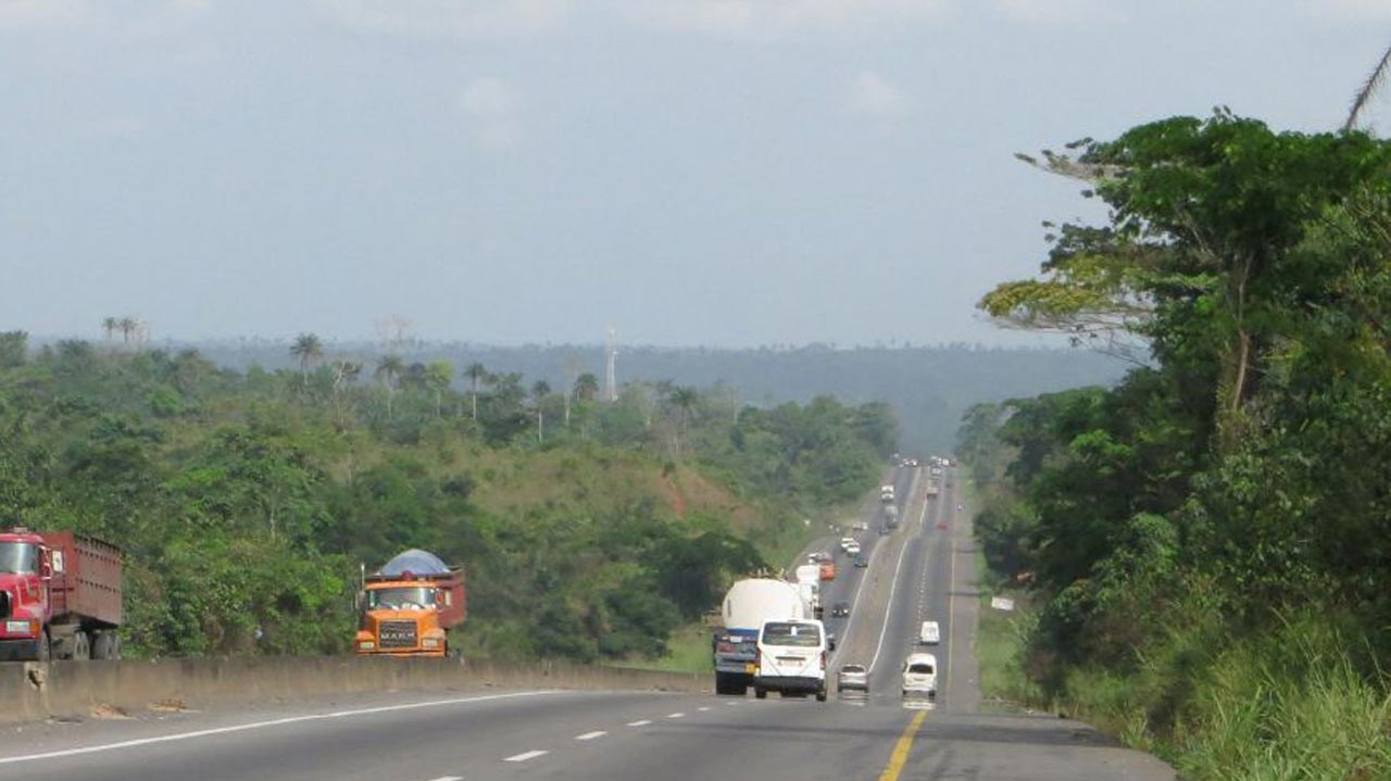 FG targets over N365b yearly with re-introduction of tollgates