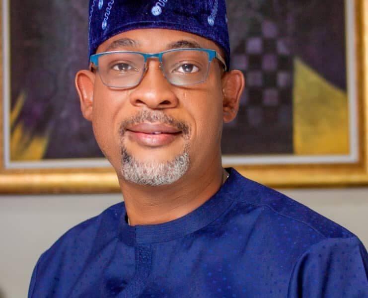 ALGON National President, Hon. Alabi Kolade David Bags Another Award In Abuja As Council Vice Chairmen Honour Him